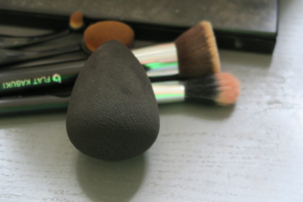 Vmagic makeup sponge! Best makeup sponge for your money according to The Bombshell Initiative blog