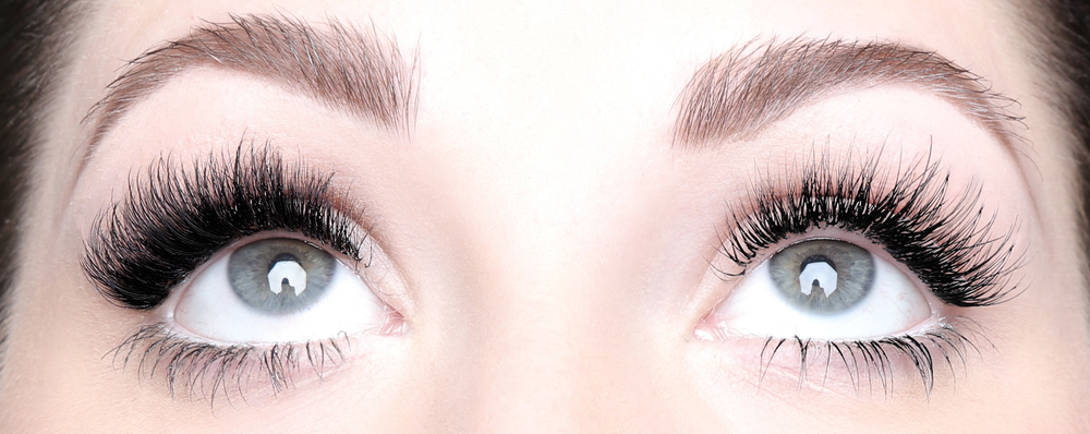 Before You Get Eyelash Extensions, You Must Read This